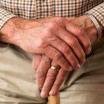 Case di riposo per anziani con animali, quando l'amore supera davvero tutto